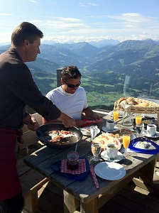 Enjoyable Breakfast On The Mountain Beutiful Home Inspiration Aditmahrainfo